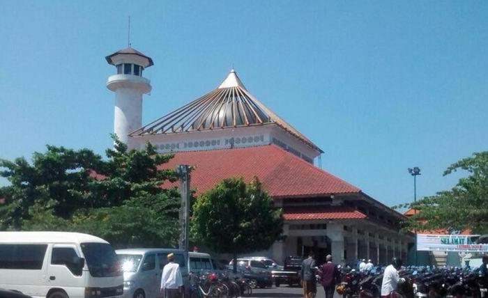 Wisata Religi Masjid Agung Sunan Ampel Garnesia Kota Surabaya