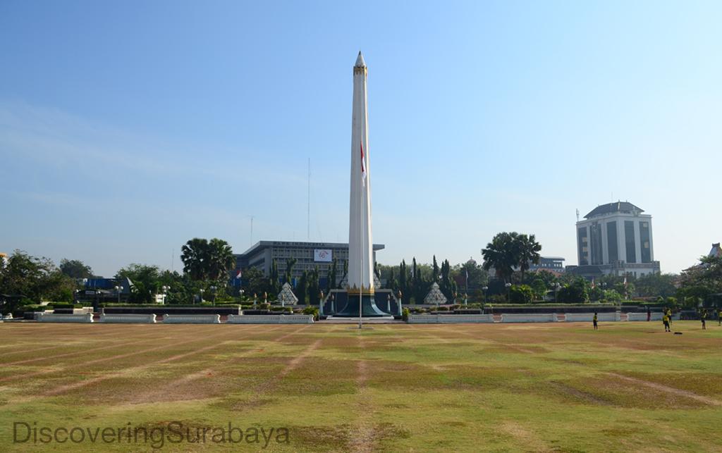 7 Landmark Surabaya Sayang Dilewatkan Discovering Monumen Terletak Tengah Kota