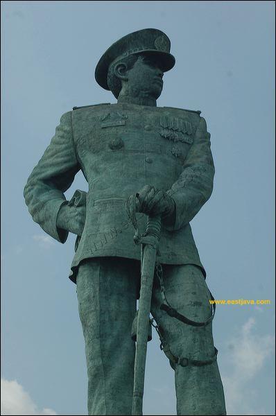 Foto Galeri Monumen Jalesveva Jayamahe Kota Surabaya Preview 03 Jpg