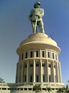 Hanggaady Hangga Ady Monumen Jalesveva Jayamahe Kota Surabaya