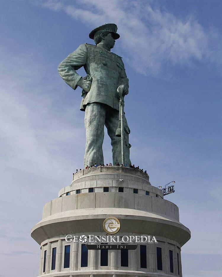 Jalesveva Jayamahe Simbol Kekuatan Maritim Nusantara Geonusantara Image Monumen Kota
