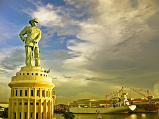 Monumen Jalesveva Jayamahe Berita Surabaya Terletak Diujung Utara Menampilkan Sosok