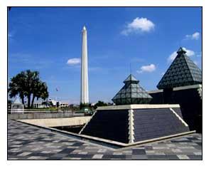 Museum Jalesveva Jaya Mahe Surabaya Kota Pahlawan Metropolitan Pahlwan Monumen
