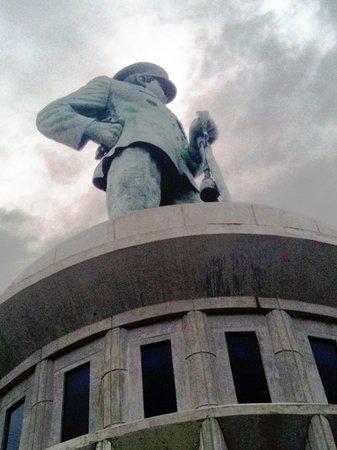 Patung Tinggi Tepi Laut Ulasan Monumen Jalesveva Jayamahe Kota Surabaya