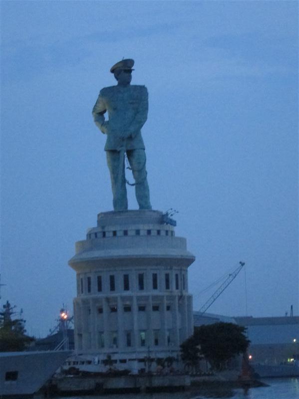 Surabaya Coret Dikit Ibupenyu Jalasveva Jayamahe Monumen Jalesveva Kota