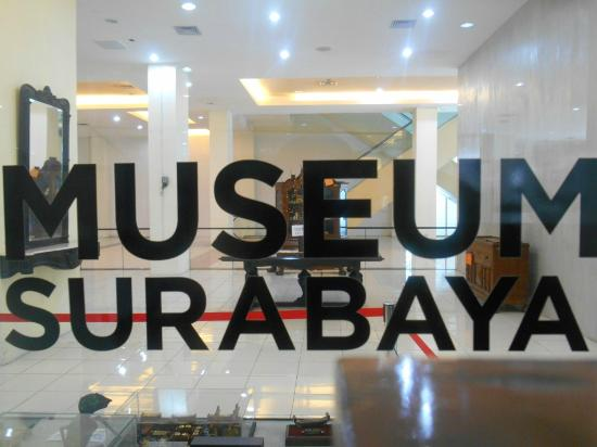 Dinding Kaca Museum Foto Surabaya Tripadvisor Gedung Siola Kota