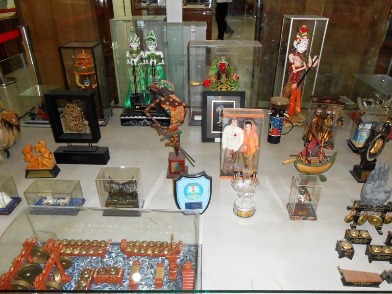 Secuil Surabaya Museum Eveline Sby Miniatur Lagu Rek Ayo Mengalun