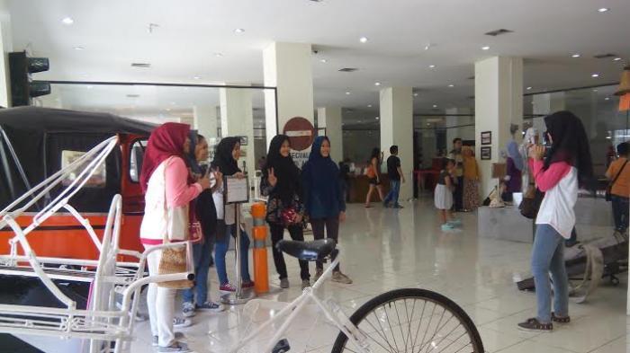 Yuk Pelesir Museum Surabaya Gratis Siapa Surya Gedung Siola Kota