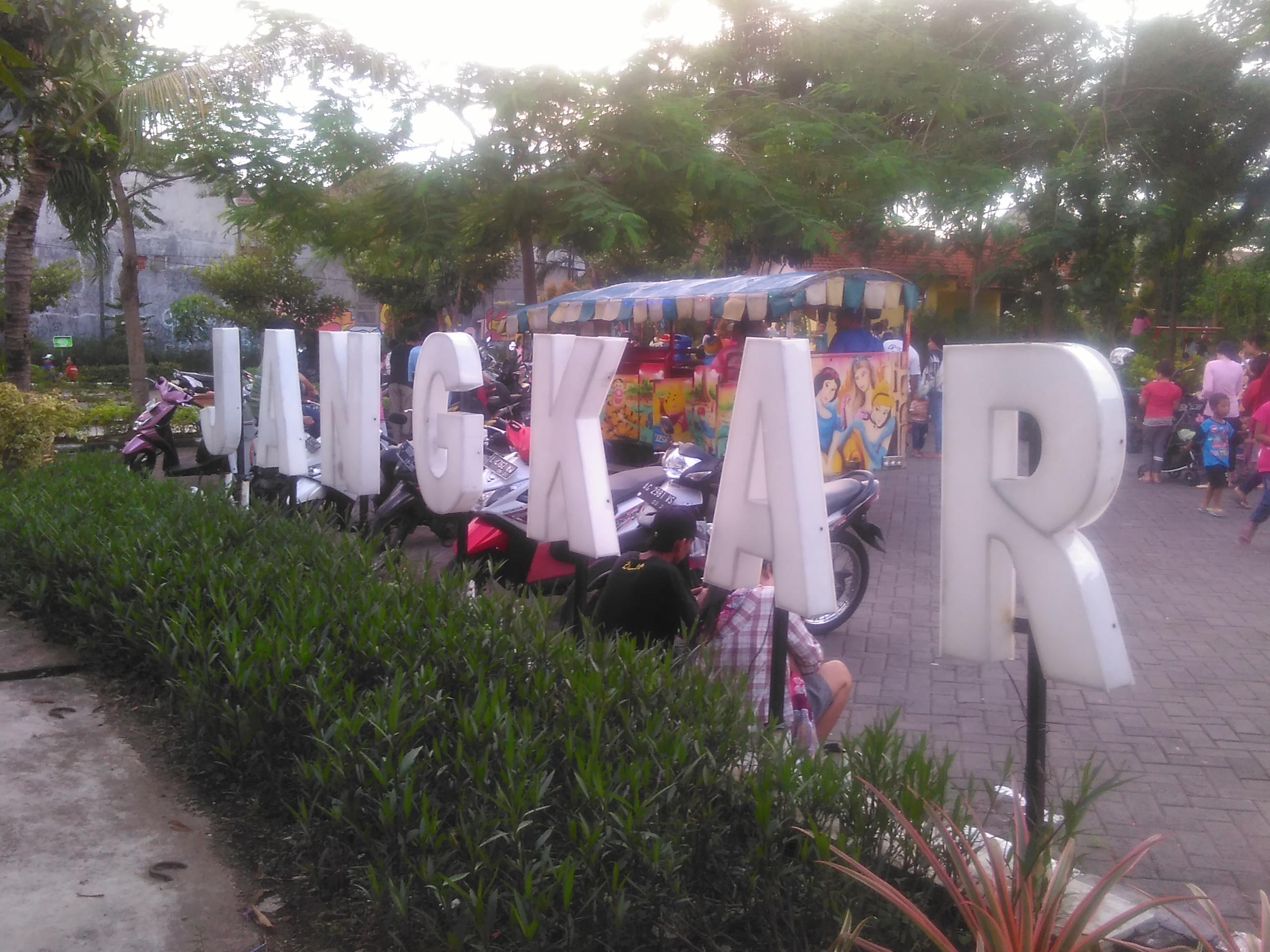 Pesona Taman Kota Surabaya Jangkar Buah Undaan