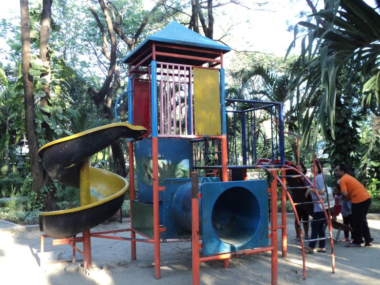 Taman Kota Pesona Surabaya Laman 5 Kotak Seluncuran Buah Undaan