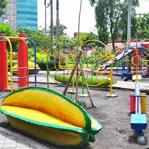 Taman Undaan Buah Surabaya Zona Libur Kota