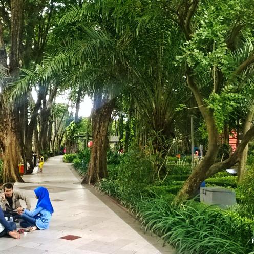 Berekreasi Taman Bungkul Primadona Kota Surabaya Aict Sunan Mbah Wisata