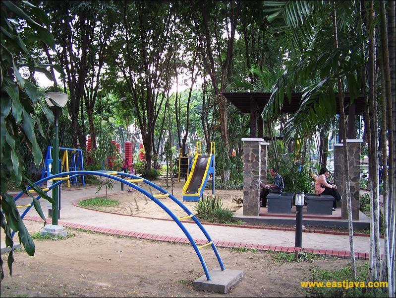 Bungkul Taman Kota Surabaya Azhar Muhammad
