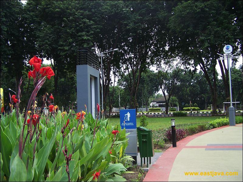 Galeri Foto Taman Bungkul Surabaya Park Preview 02 Kota