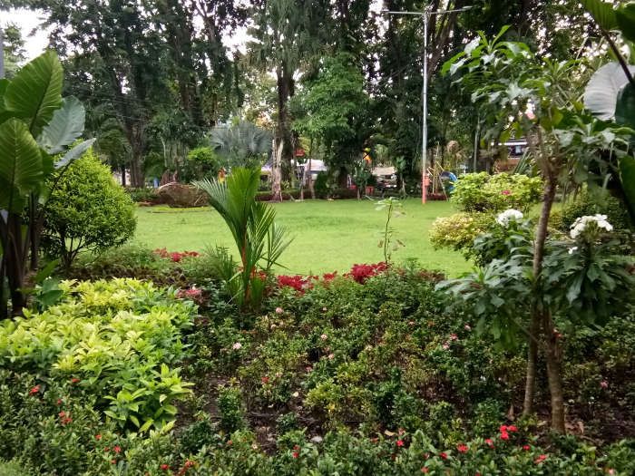 Pemandangan Taman Bungkul Pusat Kota Surabaya Jurnal Global 2