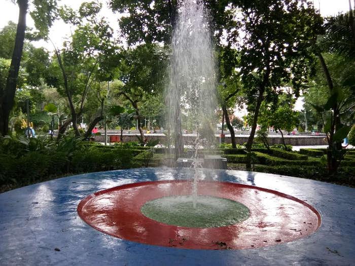 Pemandangan Taman Bungkul Pusat Kota Surabaya Jurnal Global Jurnalglobal
