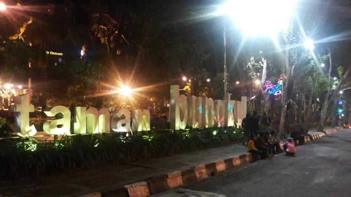 Penghargaan Dunia Taman Bungkul Surabaya Tempat Bersosialisasi Keluarga Warga Kota