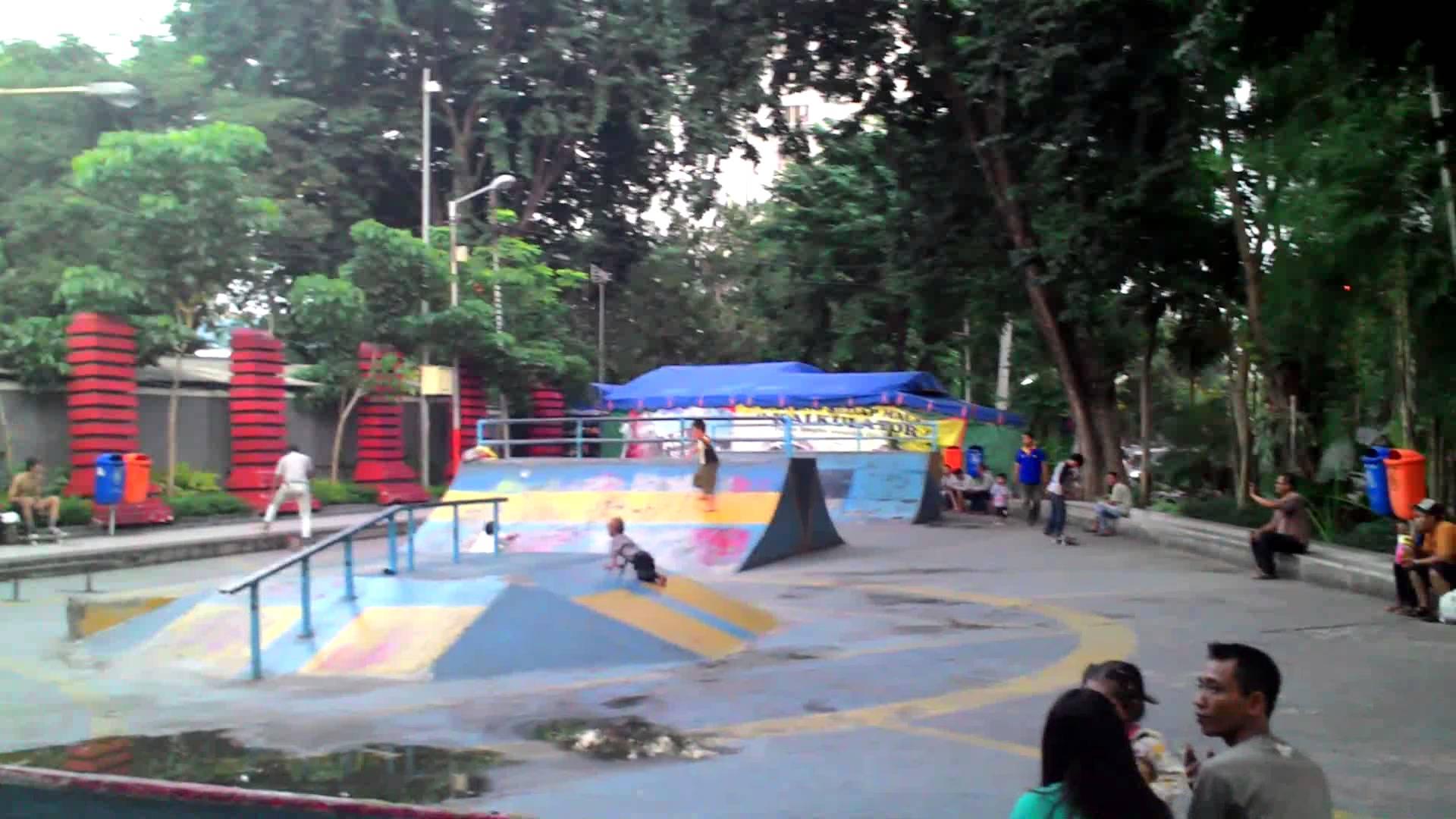 Skateboard Taman Bungkul Surabaya Youtube Kota