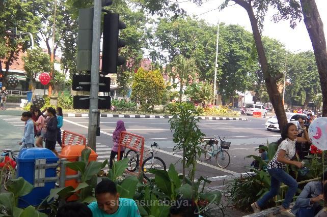 Suarasurabaya Net Warga Kota Surabaya Tetap Berkumpul Berolahraga Taman Bungkul