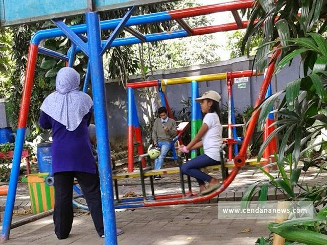 Taman Bungkul Objek Wisata Hijau Tengah Kota Surabaya Cendana News