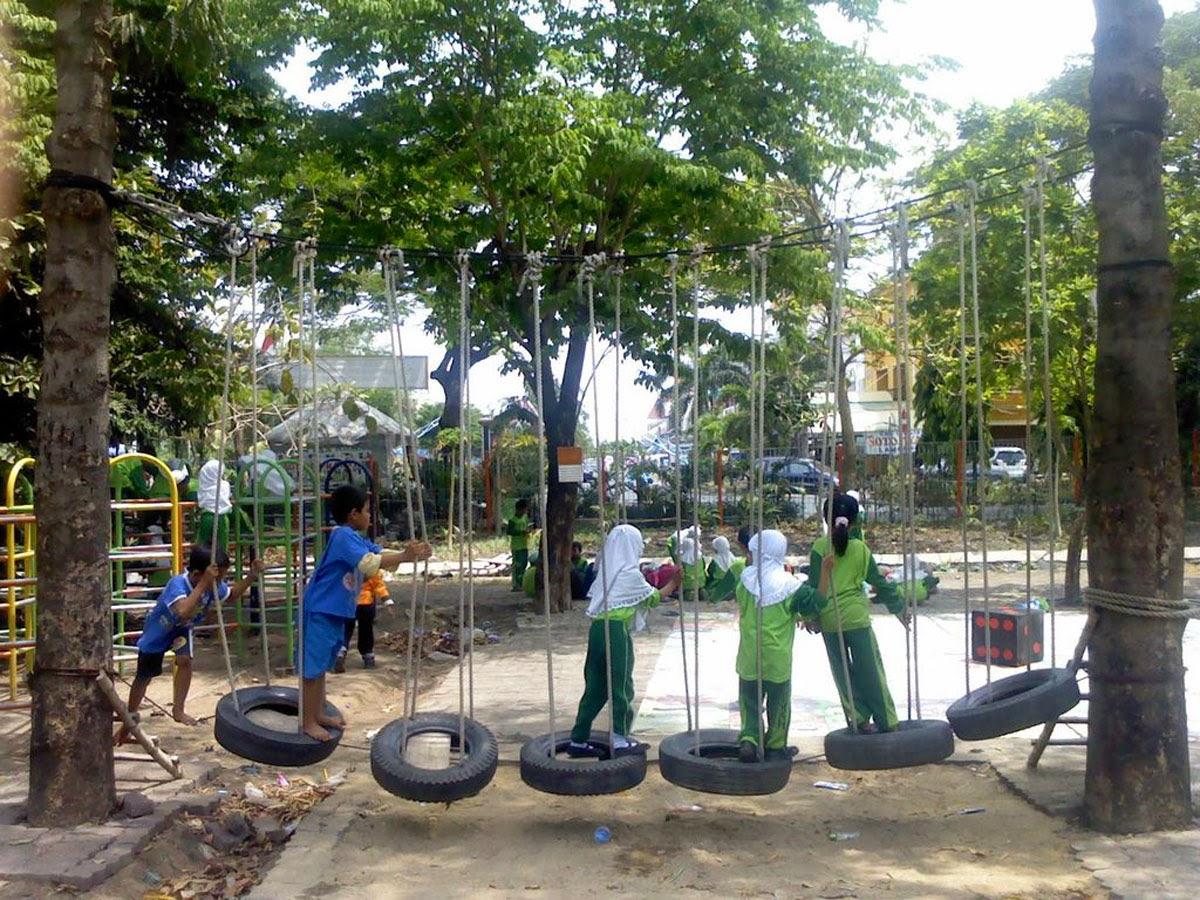 Taman Bungkul Surabaya Practices Tempat Belajar Bermain Anak Kota