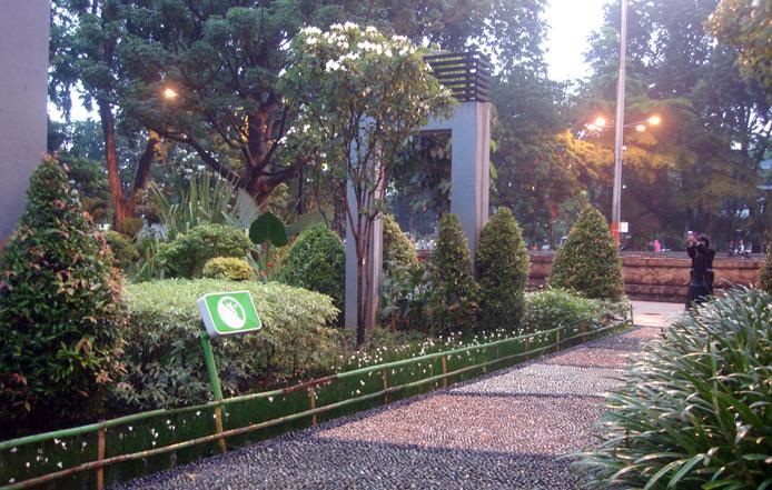 Taman Bungkul Terbaik Se Asia Kota Surabaya