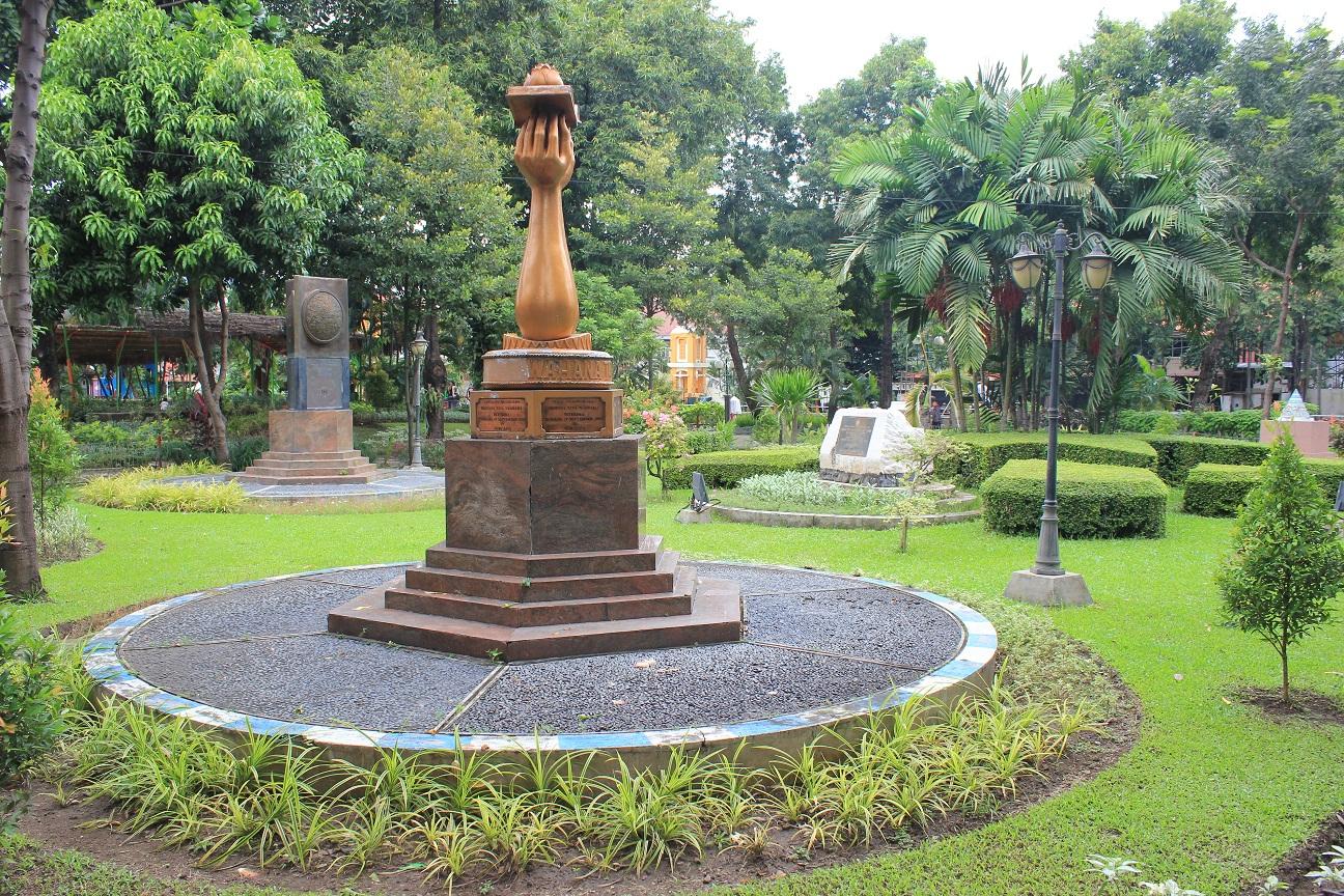 17 Tempat Ngabuburit Surabaya Pas Asik Murah Enak Taman Prestasi
