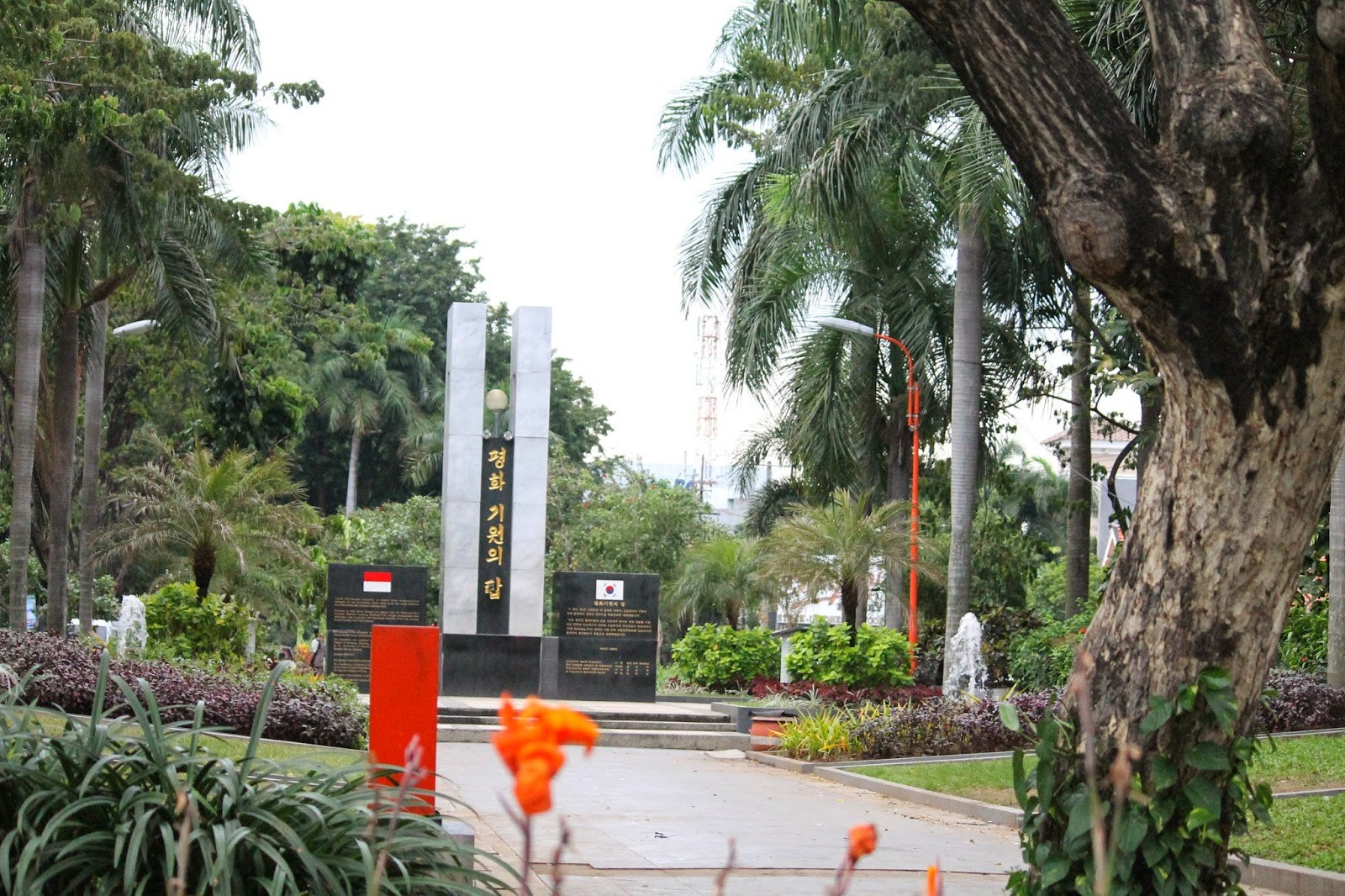 Indahnya Taman Persahabatan Indonesia Korea Bisnis Surabaya Metro Foto Ist
