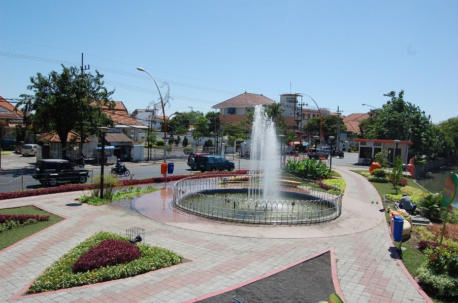 Yogi Widodo Blog Taman Kota Surabaya Salah Satu Terletak Jl