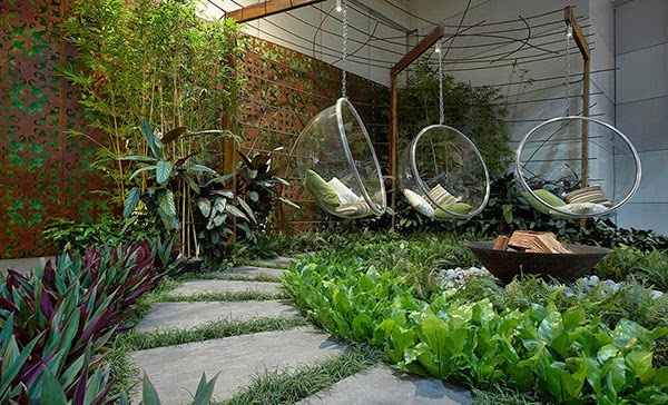 Kursi Taman Rumah Minimalis Elegan Gambar Gantung Kota Surabaya