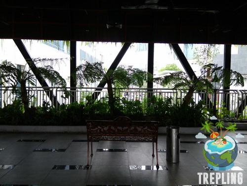 Taman Gantung Tunjungan Surabaya Kursi Bersantai Kota