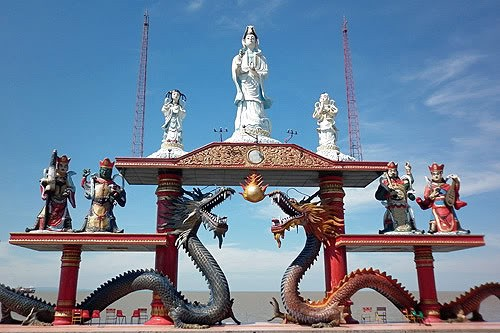 Beragam Atraksi Pantai Ria Kenjeran Ikon Surabaya Wisata Travelers Bisa