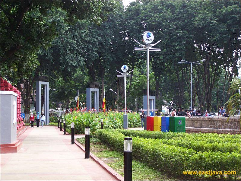 Bungkul City Park Development Grave Xv Centuries Preview Surabaya 04