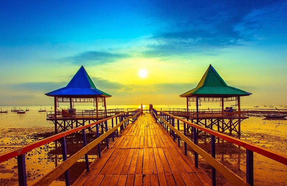 Rekomendasi Wisata Alam Menarik Kota Surabaya Blog Pantai Kenjeran Source