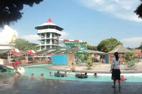 Taman Rekreasi Air Waterpark Kenjeran Surabaya Lokasi Kota