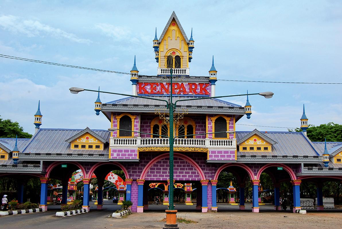 Wisata Surabaya Pantai Kenjeran Wisatawan Luar Kota Singgah Berwisata Taman