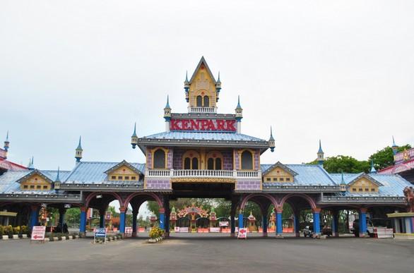 Wisata Taman Kenjeran Surabaya Ncep Suroboyo Park Kenpark Melepas Penat