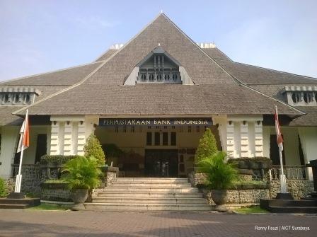 Menikmati Buku Arsitektur Antik Perpustakaan Bank Indonesia Perpus Bi Teras