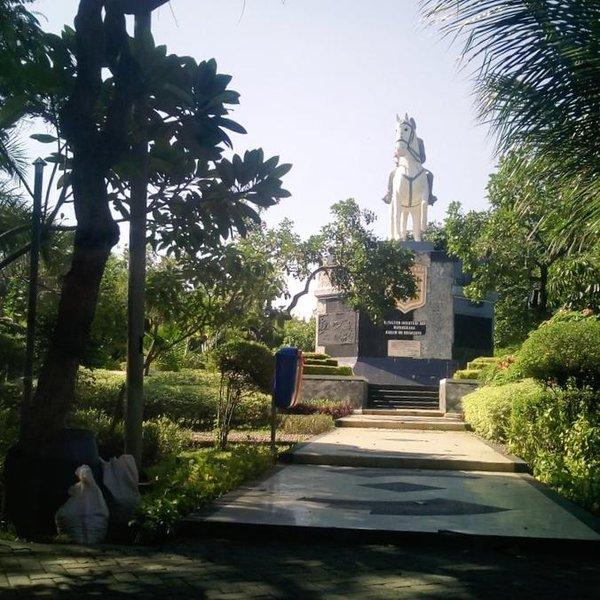 Photosurabaya Twitter Taman Mayangkara Depan Rumah Sakit Islam Rsi Surabaya