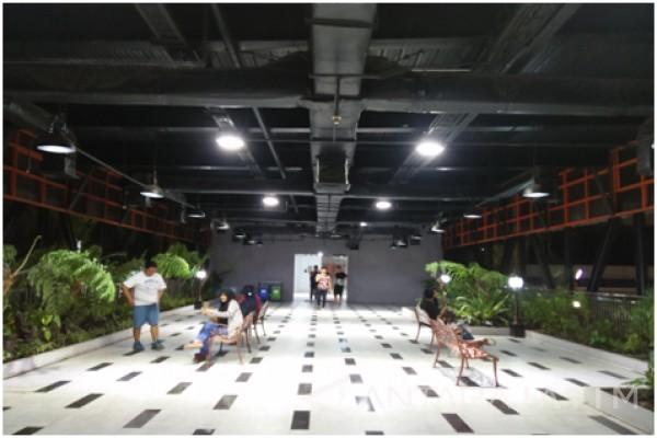 Taman Mayangkara Surabaya Antara News Jawa Timur Gantung Kota