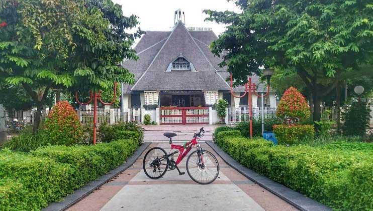 Tempat Wisata Surabaya Terbaru 2018 Indah Menarik Taman Mayangkara Kota