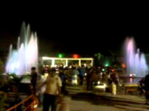 Air Mancur Taman Mundu Malam Hari Youtube Kota Surabaya