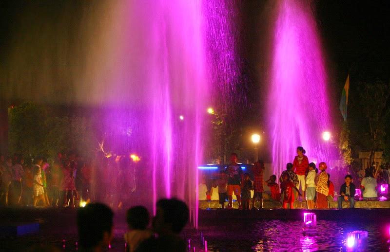Indahnya Taman Mundu Surabaya Surabayaonline Ist Kota