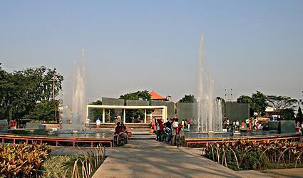 Taman Mundu Semakin Dipenuhi Pacaran Tabloid Sergap Surabaya Kota