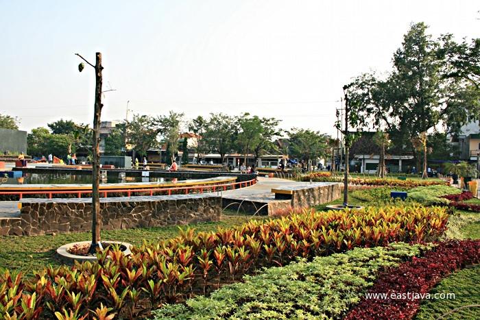 Taman Mundu Surabaya East Java Park Flickr Eastjava Kota