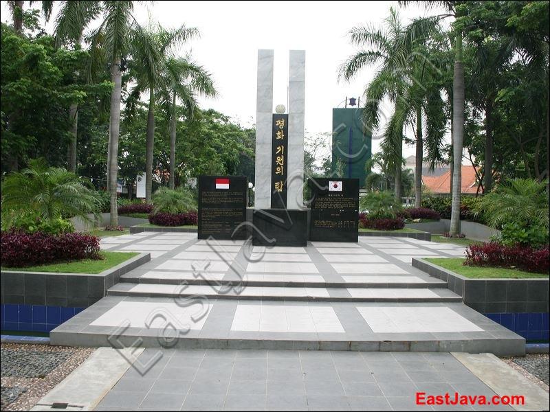 Taman Persahabatan Surabaya Korea East Java Indonesia Tropical Mundu Kota