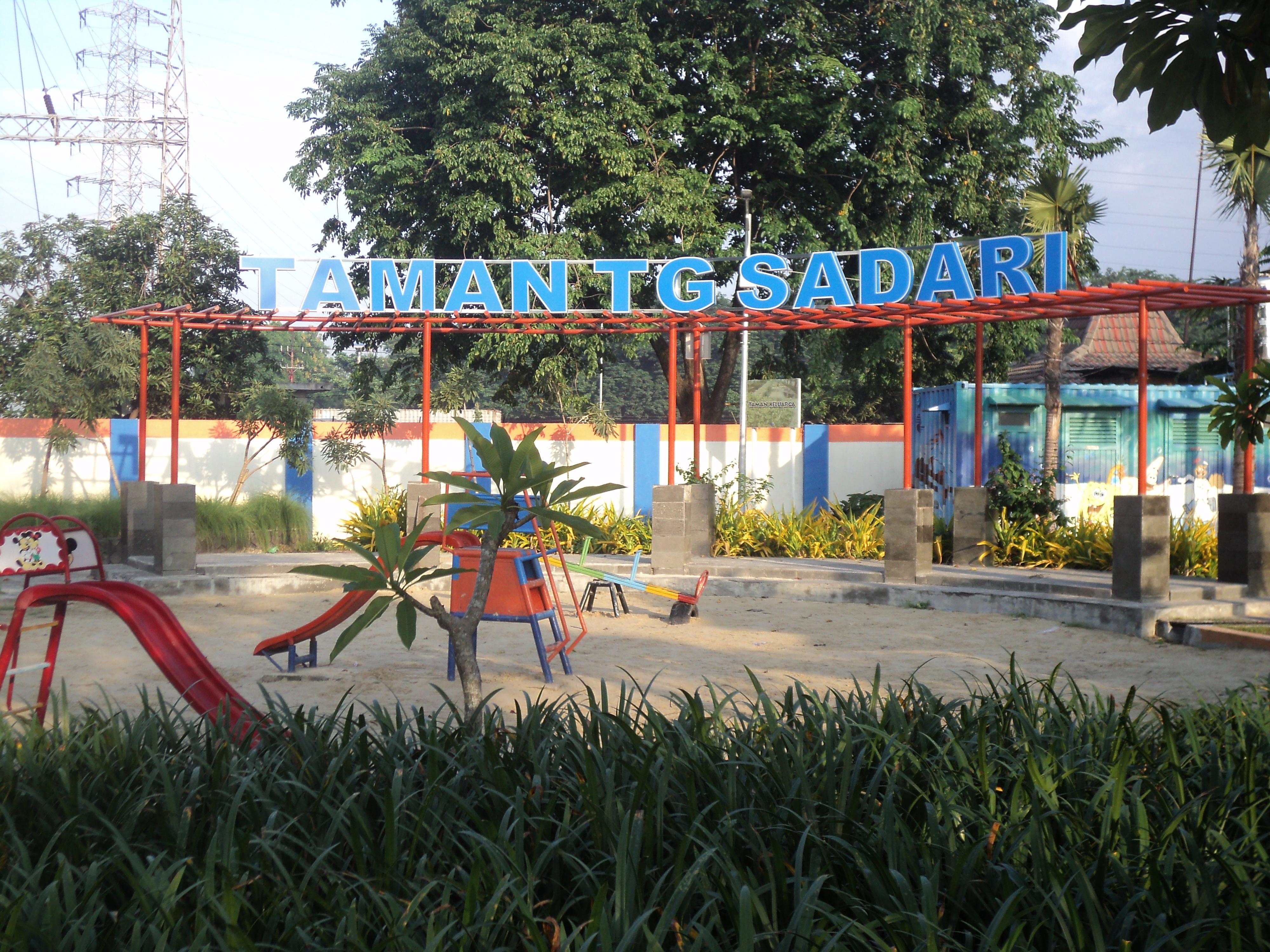 Taman Surabaya Pesona Kota Tanjung Sadari Mundu