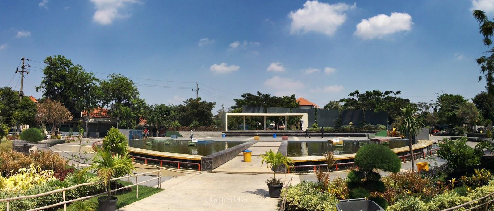 Tempat Asik Soerabaja Taman Mundu Surabaya Salah Satu Ruang Terbuka