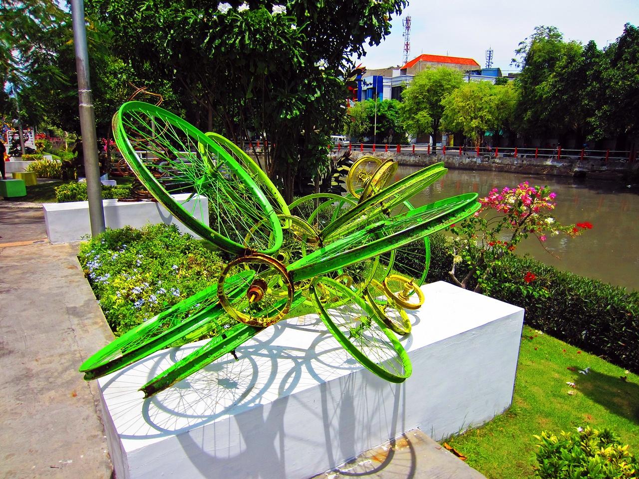 Wisata Taman Kota Surabaya Ekspresi World Roda Sepeda Dimodifikasi Mundu