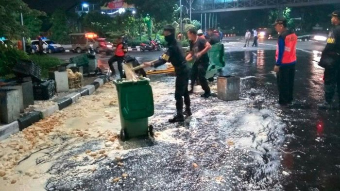 3 Mobil Depan Pos Polisi Dolog Taman Pelangi Terlibat Kecelakaan